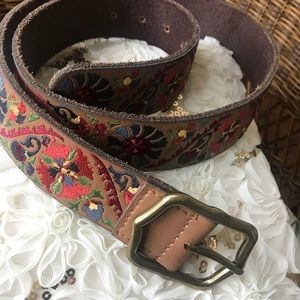 Lucky belt size large used few times now to big
